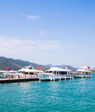 ferries at sun moon lake